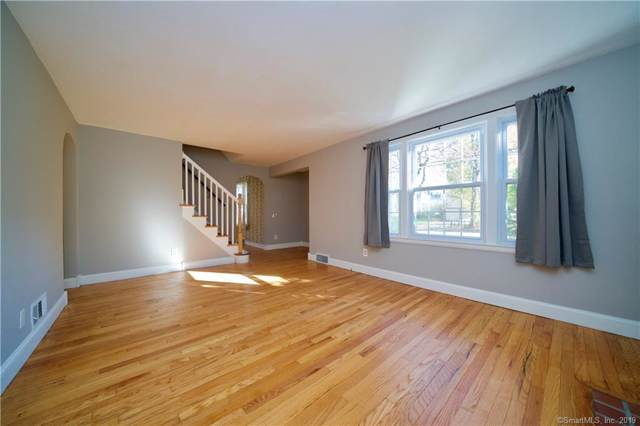 150 Parker Street, Manchester, CT 06040 (MLS #170240761) :: The Higgins Group - The CT Home Finder