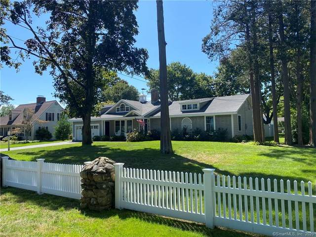 33 Cromwell Place, Old Saybrook, CT 06475 (MLS #170331402) :: Frank Schiavone with William Raveis Real Estate