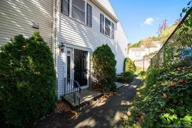 55 Mill Plain Road 7-2, Danbury, CT 06811 (MLS #170334190) :: Frank Schiavone with William Raveis Real Estate