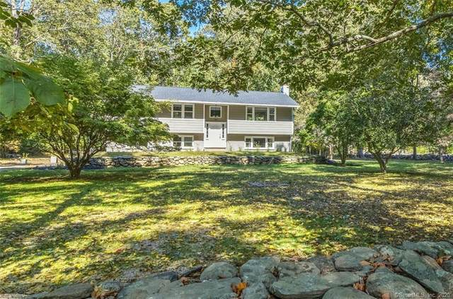 40 Browns Lane, Old Lyme, CT 06371 (MLS #170342922) :: Frank Schiavone with William Raveis Real Estate