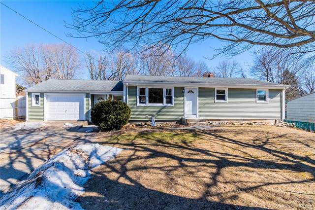 20 Hickory Drive, Montville, CT 06370 (MLS #170373389) :: Carbutti & Co Realtors