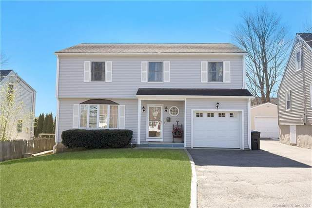 16 Vollmer Avenue, Norwalk, CT 06851 (MLS #170378494) :: Forever Homes Real Estate, LLC