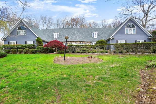 212 Fence Row Drive, Fairfield, CT 06824 (MLS #170385937) :: Frank Schiavone with William Raveis Real Estate