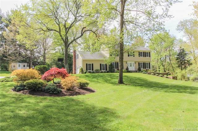 8 Old Hayrake Road, Danbury, CT 06811 (MLS #170398142) :: Coldwell Banker Premiere Realtors