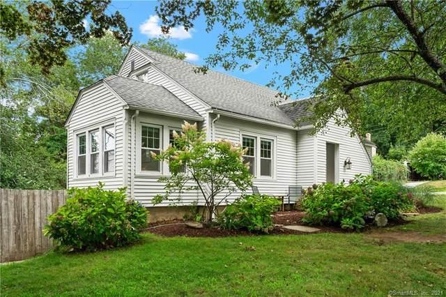 17 Cedar Street, Essex, CT 06409 (MLS #170431430) :: GEN Next Real Estate