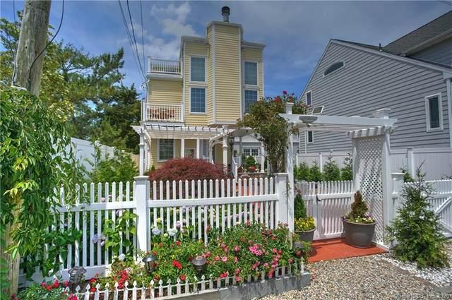 10 Rowland Place, Westport, CT 06880 (MLS #170272799) :: Frank Schiavone with William Raveis Real Estate