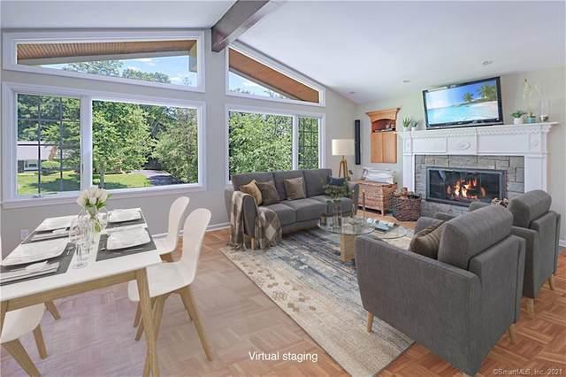 11 Stoneleigh Square, Fairfield, CT 06825 (MLS #170402217) :: GEN Next Real Estate