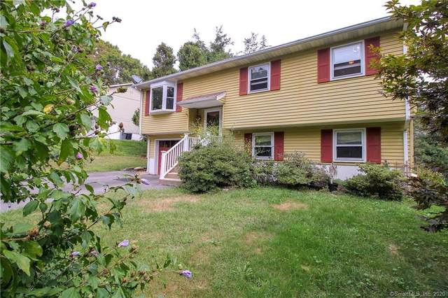 2 Overlook Drive, Preston, CT 06365 (MLS #170332276) :: Frank Schiavone with William Raveis Real Estate