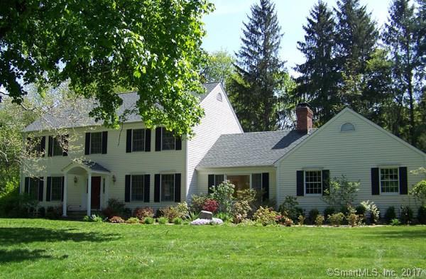 551 Danbury Road, Wilton, CT 06897 (MLS #170015084) :: The Higgins Group - The CT Home Finder