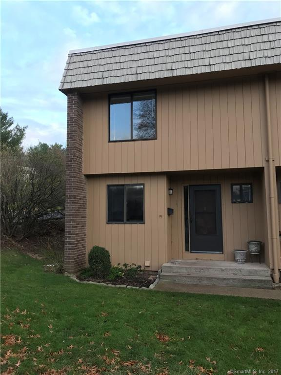 1 Willow Court #1, Cromwell, CT 06416 (MLS #170024975) :: Carbutti & Co Realtors