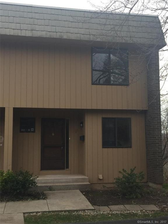 17 Golden Court #17, Cromwell, CT 06416 (MLS #170036375) :: Carbutti & Co Realtors