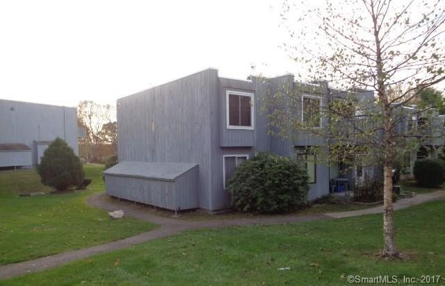 15 Cedar Court F, East Haven, CT 06513 (MLS #170036540) :: Carbutti & Co Realtors