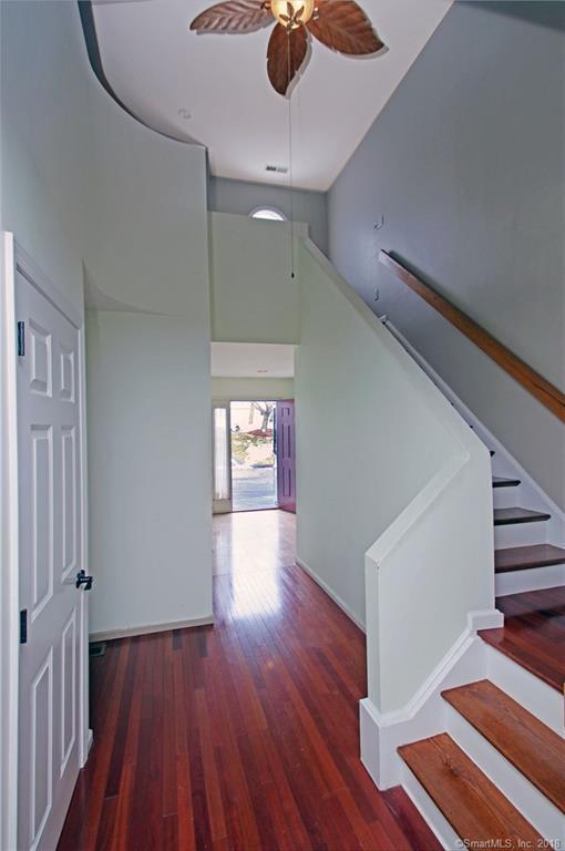 2445 Park Avenue #31, Bridgeport, CT 06604 (MLS #170042363) :: Carbutti & Co Realtors