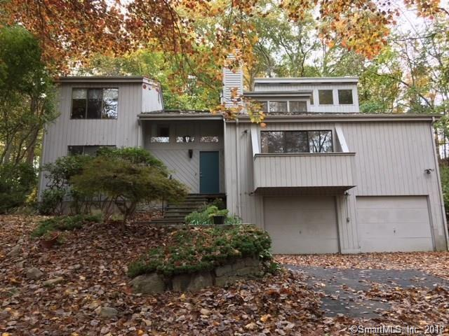 49 Owl Hill Trail, Trumbull, CT 06611 (MLS #170045674) :: The Higgins Group - The CT Home Finder