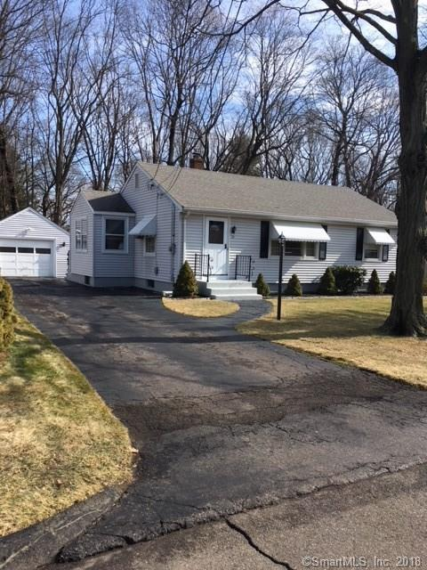25 Colonial Lane, Wallingford, CT 06492 (MLS #170054705) :: Carbutti & Co Realtors