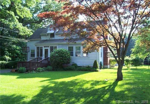 51 Ezra Street, North Haven, CT 06473 (MLS #170073508) :: Carbutti & Co Realtors