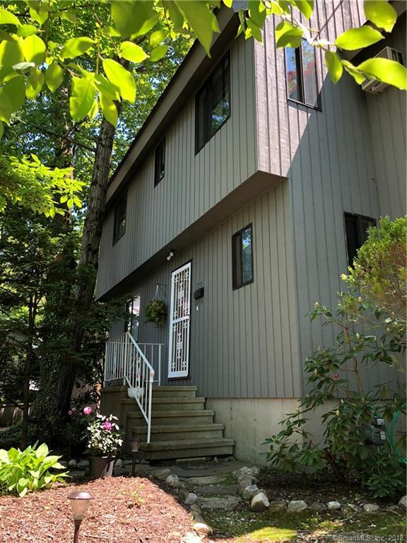 75 Senior Place, Fairfield, CT 06825 (MLS #170087807) :: The Higgins Group - The CT Home Finder