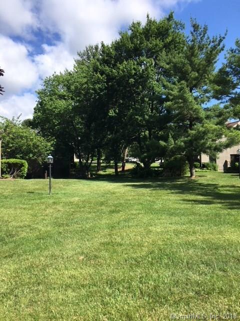 103 South Trail A, Stratford, CT 06614 (MLS #170098728) :: Stephanie Ellison