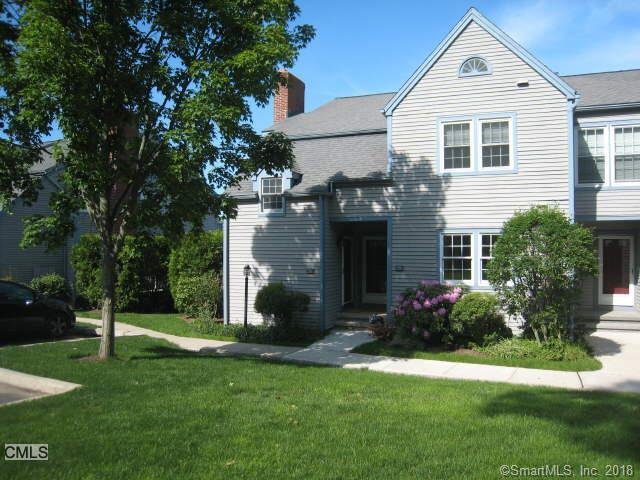 198 Glengarry Road #198, Fairfield, CT 06825 (MLS #170100671) :: Carbutti & Co Realtors