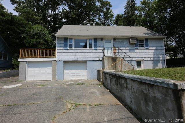 16 Valley Circle, Bridgeport, CT 06606 (MLS #170104984) :: The Higgins Group - The CT Home Finder