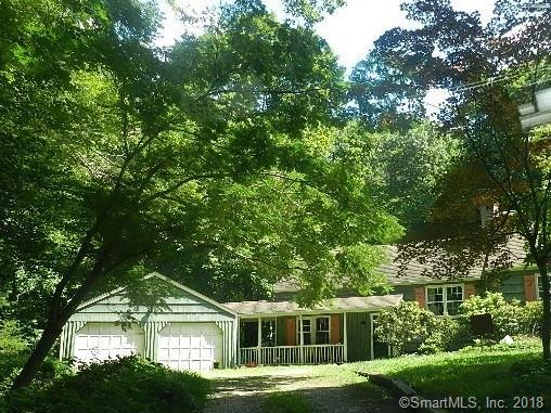 44 Powder Horn Hill, Weston, CT 06883 (MLS #170125989) :: The Higgins Group - The CT Home Finder