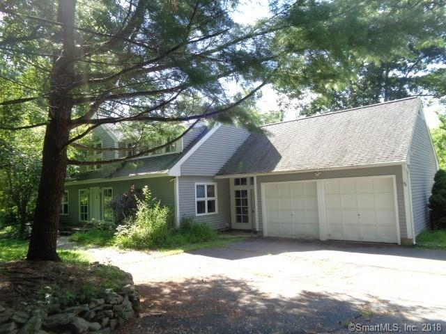 105 Spring Valley Road, Ridgefield, CT 06877 (MLS #170126444) :: The Higgins Group - The CT Home Finder