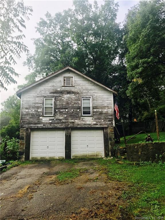 48A E Pembroke Road, Danbury, CT 06811 (MLS #170128192) :: Stephanie Ellison