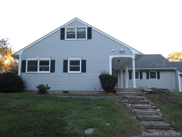 11 Whiting Farms Lane #11, East Lyme, CT 06357 (MLS #170140034) :: Carbutti & Co Realtors