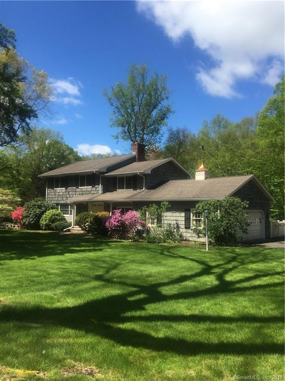 17 Singing Woods Road, Norwalk, CT 06850 (MLS #170195692) :: Michael & Associates Premium Properties | MAPP TEAM