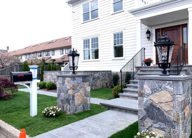 965 Shippan Avenue B, Stamford, CT 06902 (MLS #170197121) :: Michael & Associates Premium Properties | MAPP TEAM