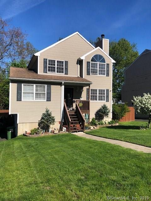8 Marshall Avenue, Trumbull, CT 06611 (MLS #170199704) :: Mark Boyland Real Estate Team