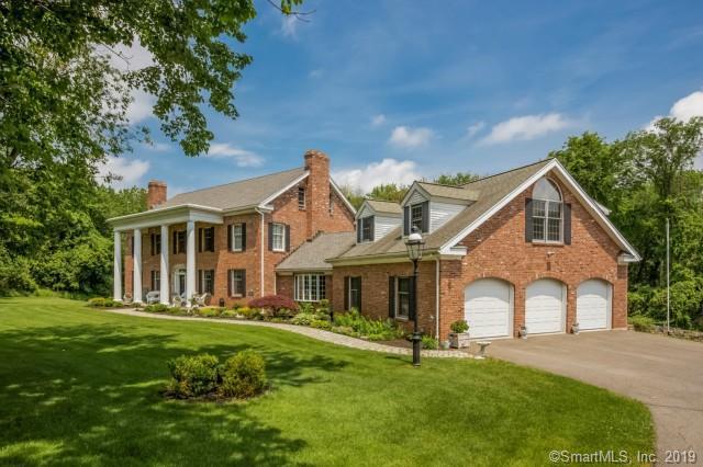 11 Society Hill Road, Danbury, CT 06811 (MLS #170203189) :: Michael & Associates Premium Properties | MAPP TEAM