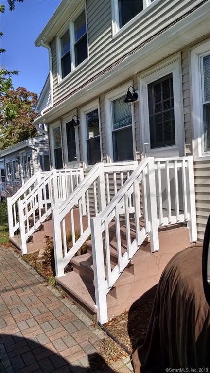 30 Hartford Avenue A, Old Lyme, CT 06371 (MLS #170203450) :: Michael & Associates Premium Properties | MAPP TEAM