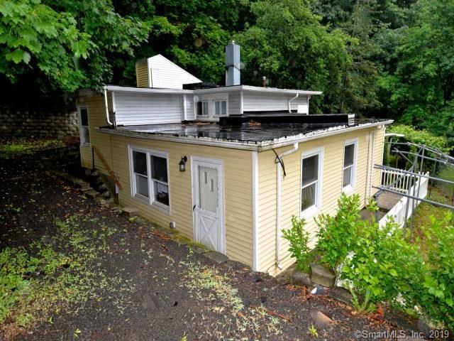 61 Rock Creek Road, New Haven, CT 06515 (MLS #170205685) :: Carbutti & Co Realtors