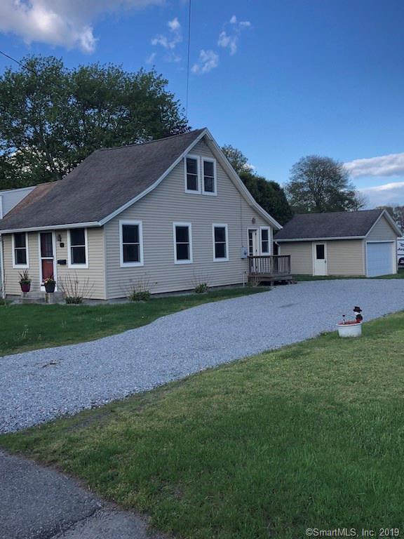 26 Maple Avenue, Old Saybrook, CT 06475 (MLS #170212039) :: GEN Next Real Estate