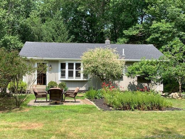 10 Rogers Drive, Stonington, CT 06355 (MLS #170214993) :: Mark Boyland Real Estate Team