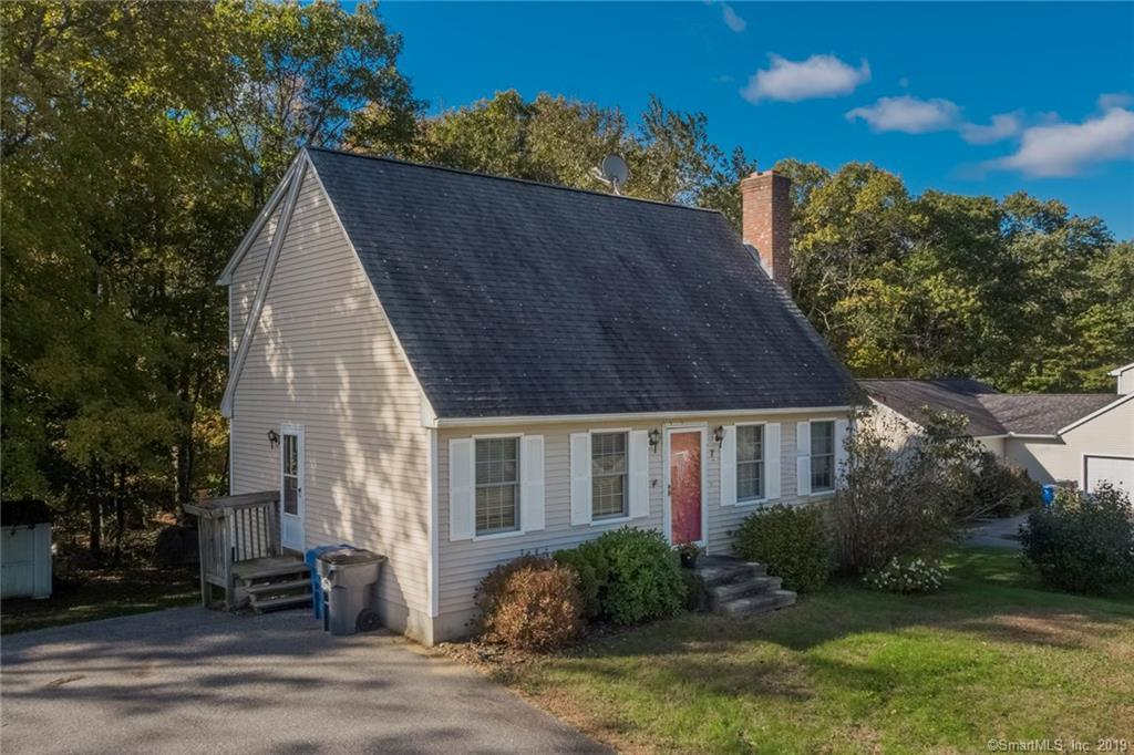 7 Oak Leaf Drive - Photo 1