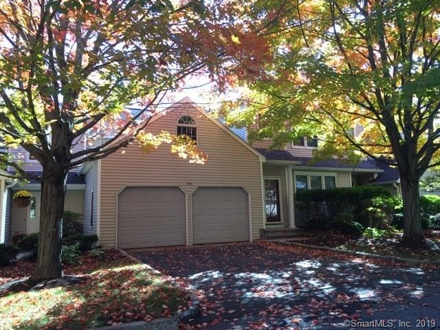 158 Governor Trumbull Way, Trumbull, CT 06611 (MLS #170215447) :: The Higgins Group - The CT Home Finder