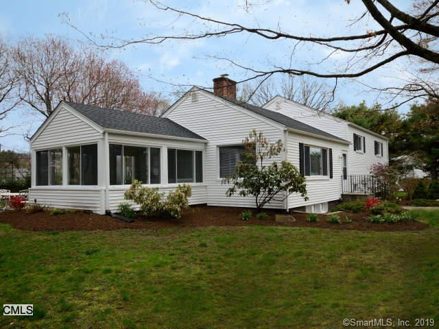 10 Brooklawn Drive, Westport, CT 06880 (MLS #170215795) :: The Higgins Group - The CT Home Finder