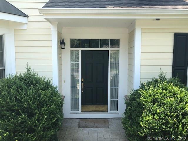 19 Terra Nova Circle #19, Westport, CT 06880 (MLS #170216887) :: The Higgins Group - The CT Home Finder
