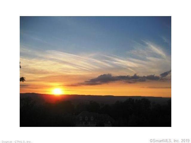 24 Cobtail Way, Simsbury, CT 06070 (MLS #170224398) :: Carbutti & Co Realtors