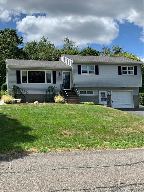 32 Wedgewood Drive, Watertown, CT 06795 (MLS #170225320) :: The Higgins Group - The CT Home Finder