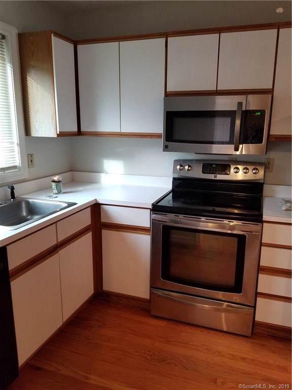 109 Oak Ridge Drive #109, Windsor Locks, CT 06096 (MLS #170249497) :: NRG Real Estate Services, Inc.