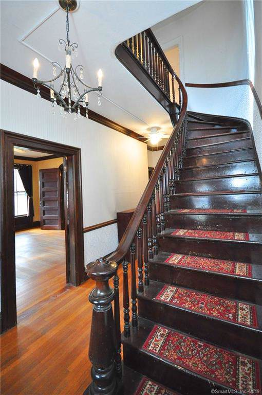 329 Hazard Avenue, Enfield, CT 06082 (MLS #170249608) :: Michael & Associates Premium Properties | MAPP TEAM