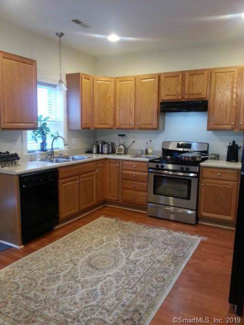 28 Benedict Avenue B, Danbury, CT 06810 (MLS #170252248) :: The Higgins Group - The CT Home Finder