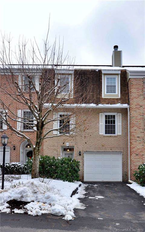 64 Kingswood Drive #64, Bethel, CT 06801 (MLS #170256900) :: Mark Boyland Real Estate Team