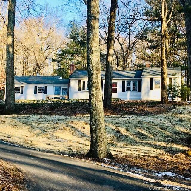 300 Hunter Road, Tolland, CT 06084 (MLS #170259631) :: GEN Next Real Estate