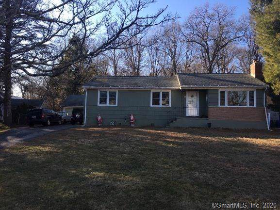 58 Round Hill Road, Trumbull, CT 06611 (MLS #170264604) :: The Higgins Group - The CT Home Finder