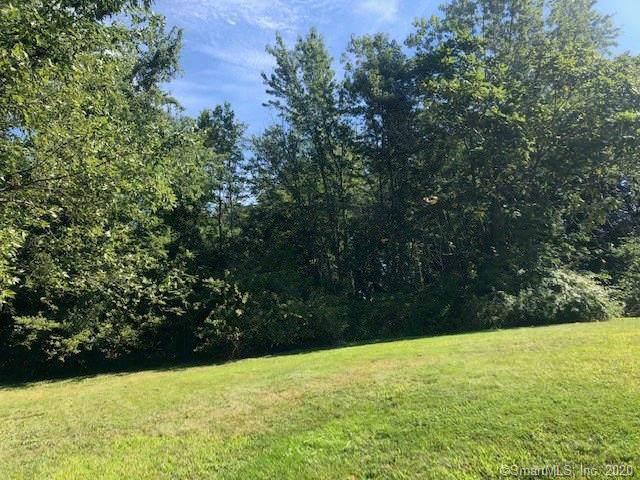 40 Southview Drive, Wallingford, CT 06492 (MLS #170266497) :: Carbutti & Co Realtors