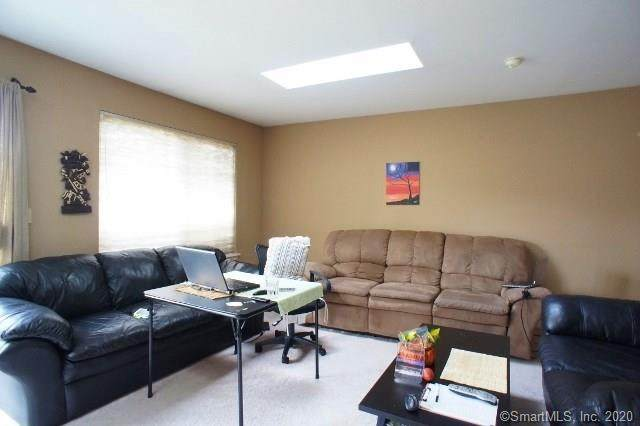 47 Cedar Street #21, Norwalk, CT 06854 (MLS #170272527) :: The Higgins Group - The CT Home Finder